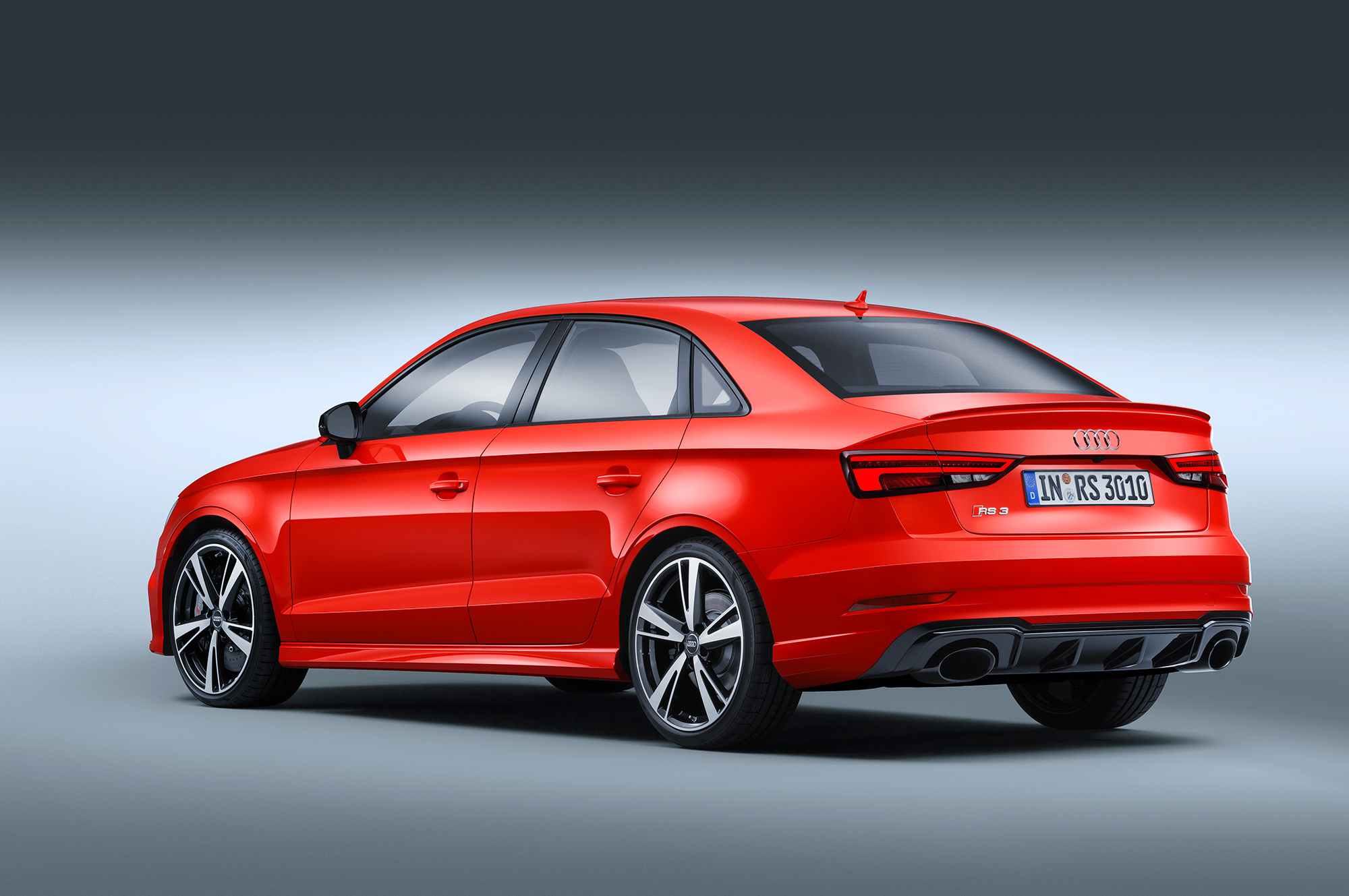 Audi RS 3 Photos