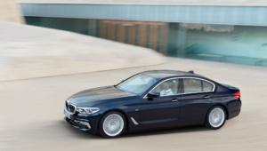 BMW 540i 2017 Images
