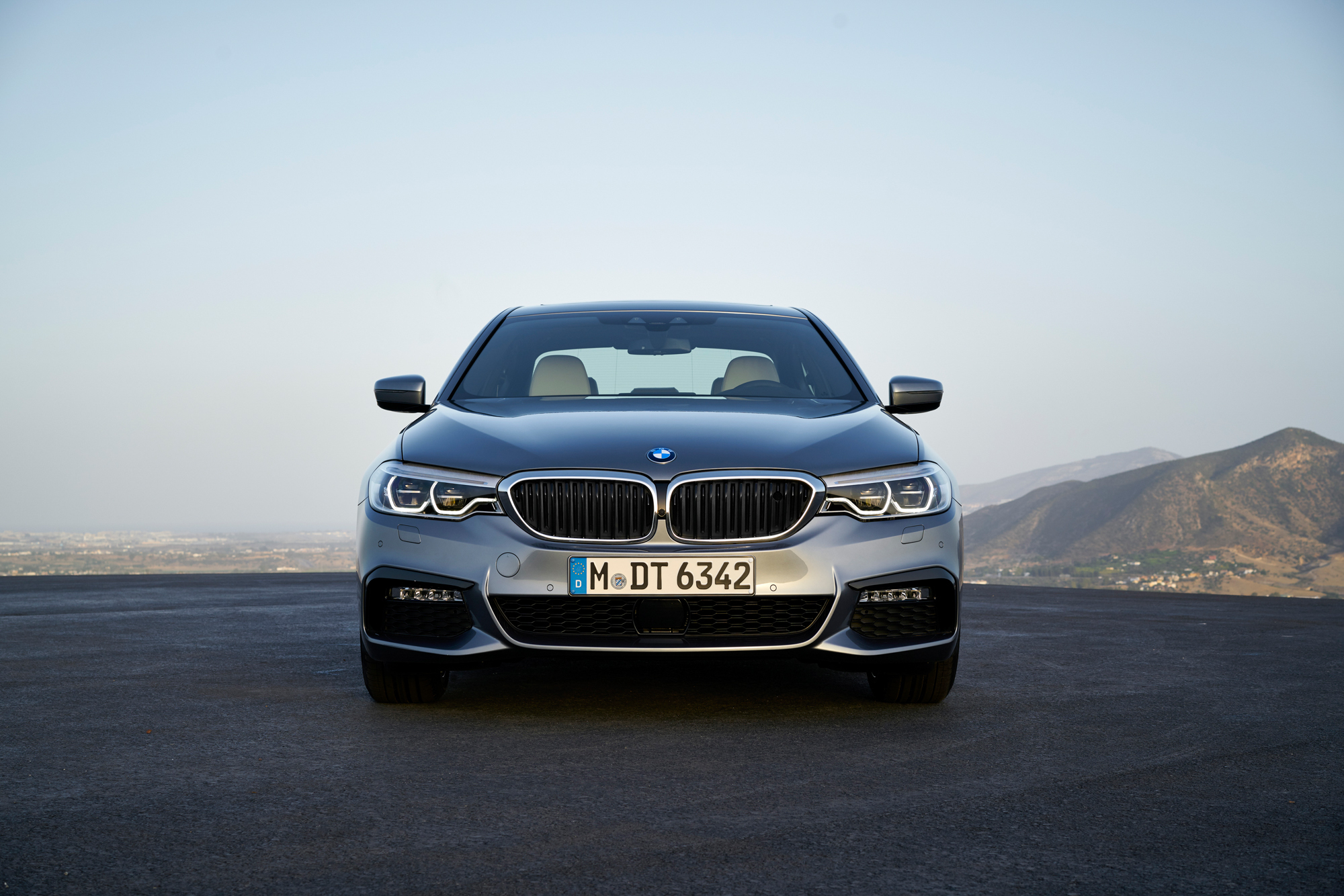 BMW 540i 2017 Widescreen