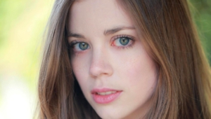 Charlotte Hope HD Deskto