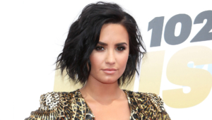 Demi Lovato Short Background