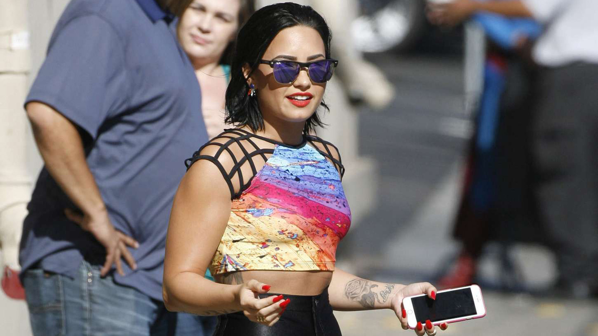 Demi Lovato Short High Quality Wallpapers