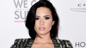 Demi Lovato Short Wallpaper