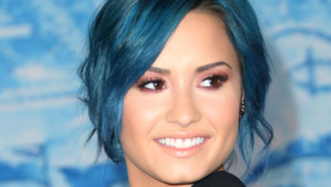 Demi Lovato Short Wallpapers