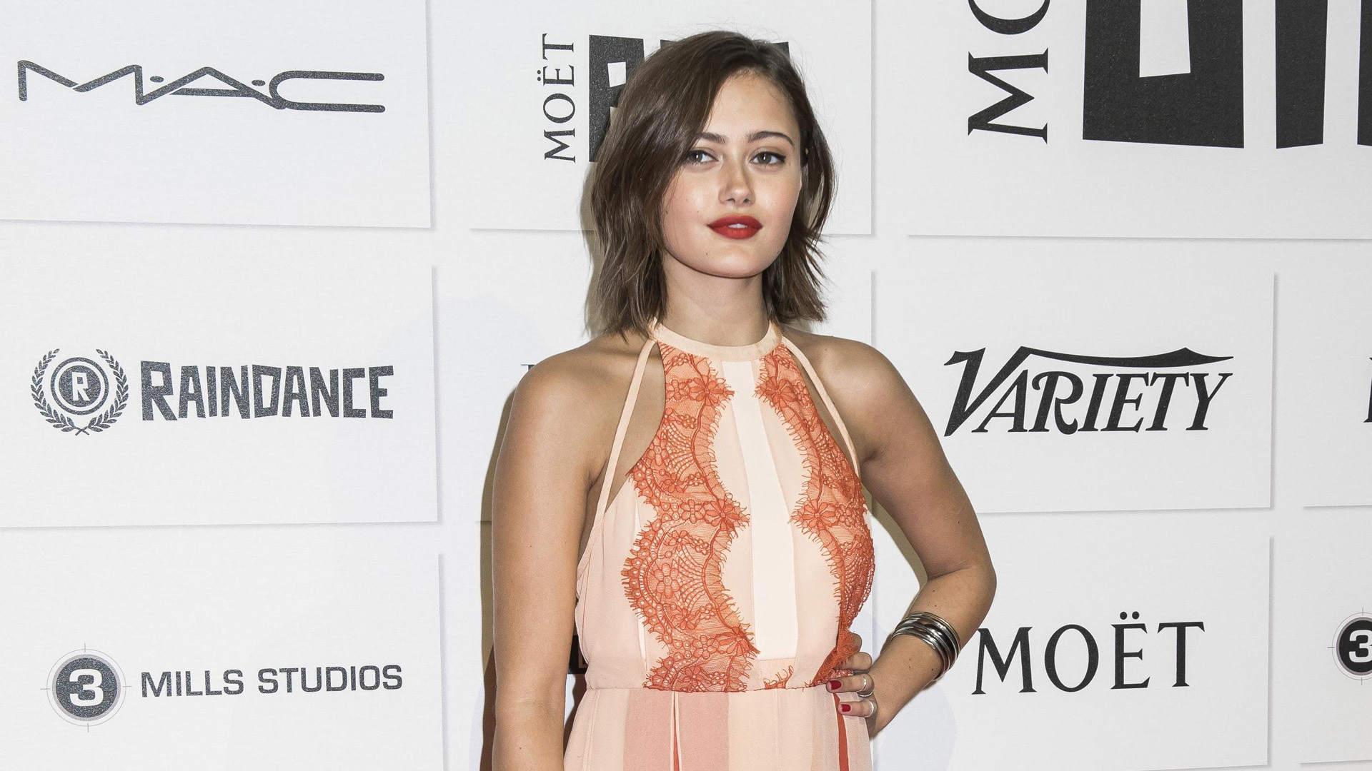 Ella Purnell High Quality Wallpapers