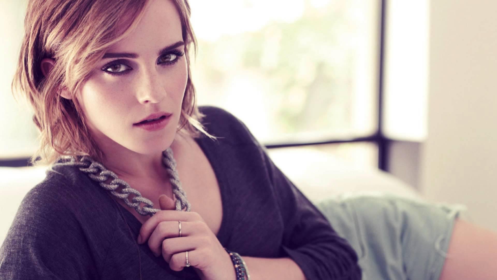 Emma Watson For Deskto