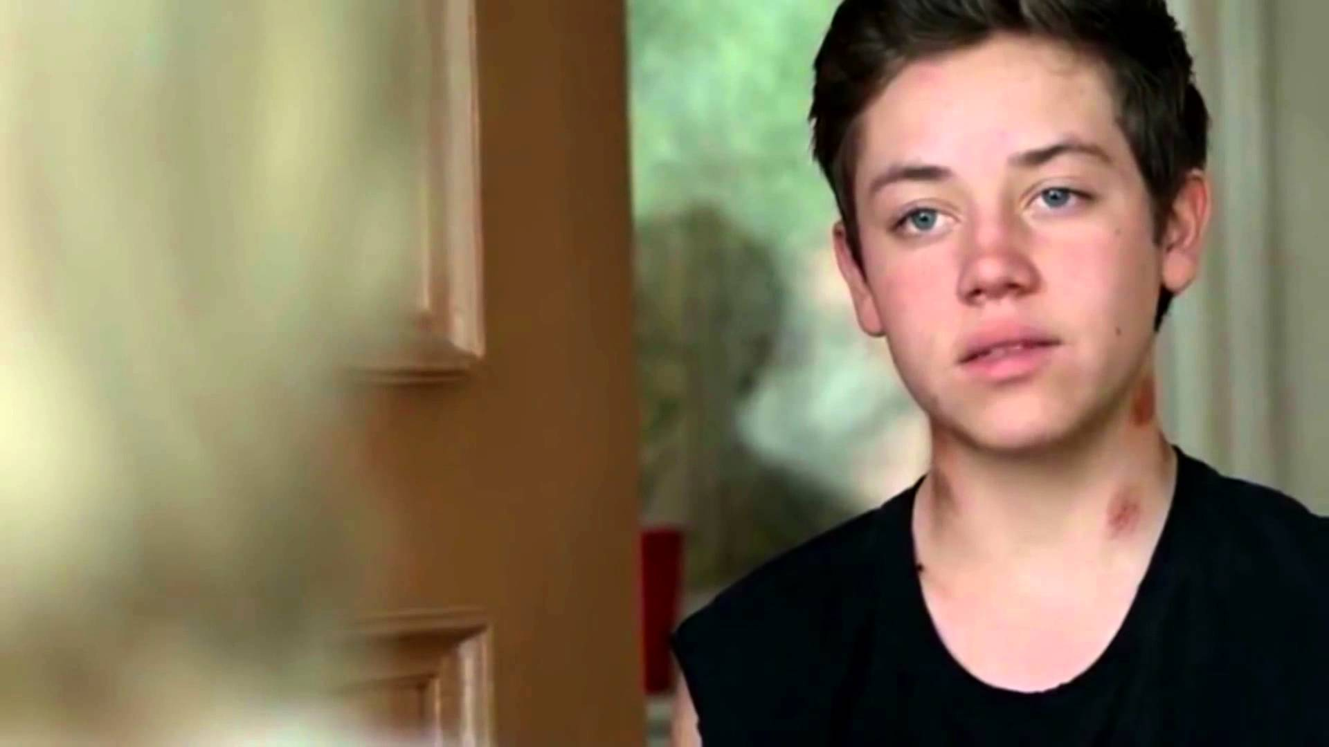 Ethan Cutkosky High Definition