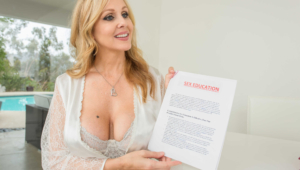 Julia Ann Sexy Photos