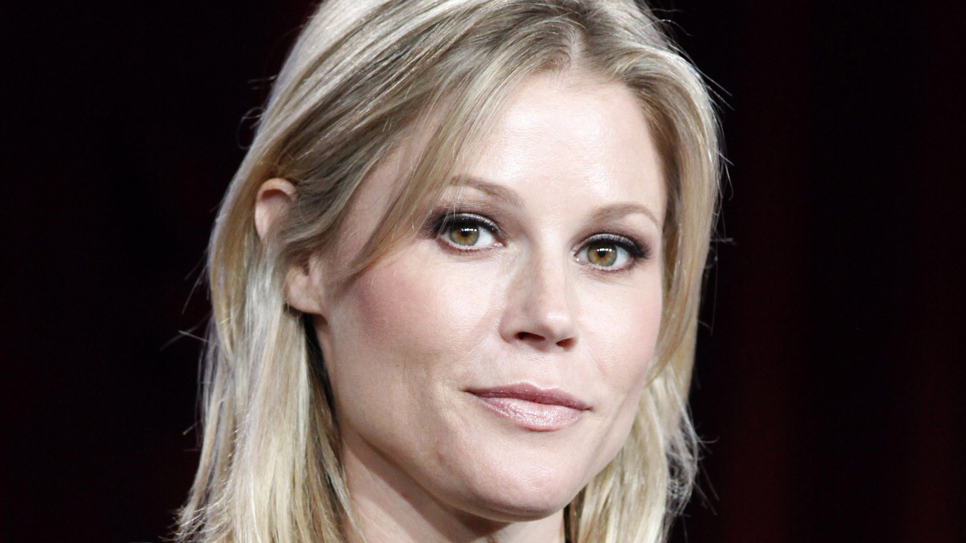 Julie Bowen Computer Backgrounds