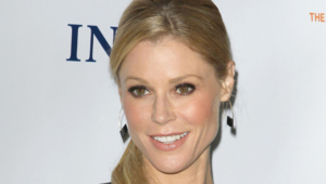 Julie Bowen Wallpaper