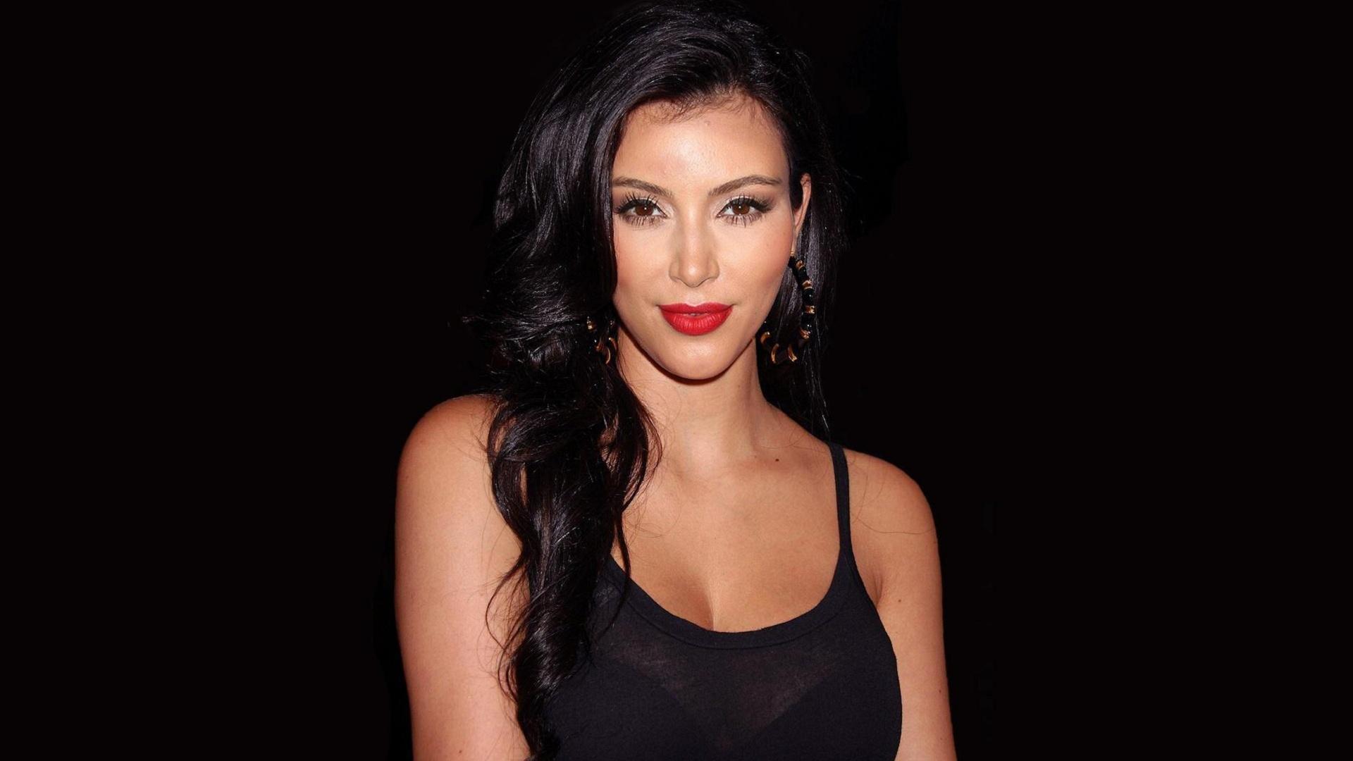 Kim Kardashian Computer Wallpaper