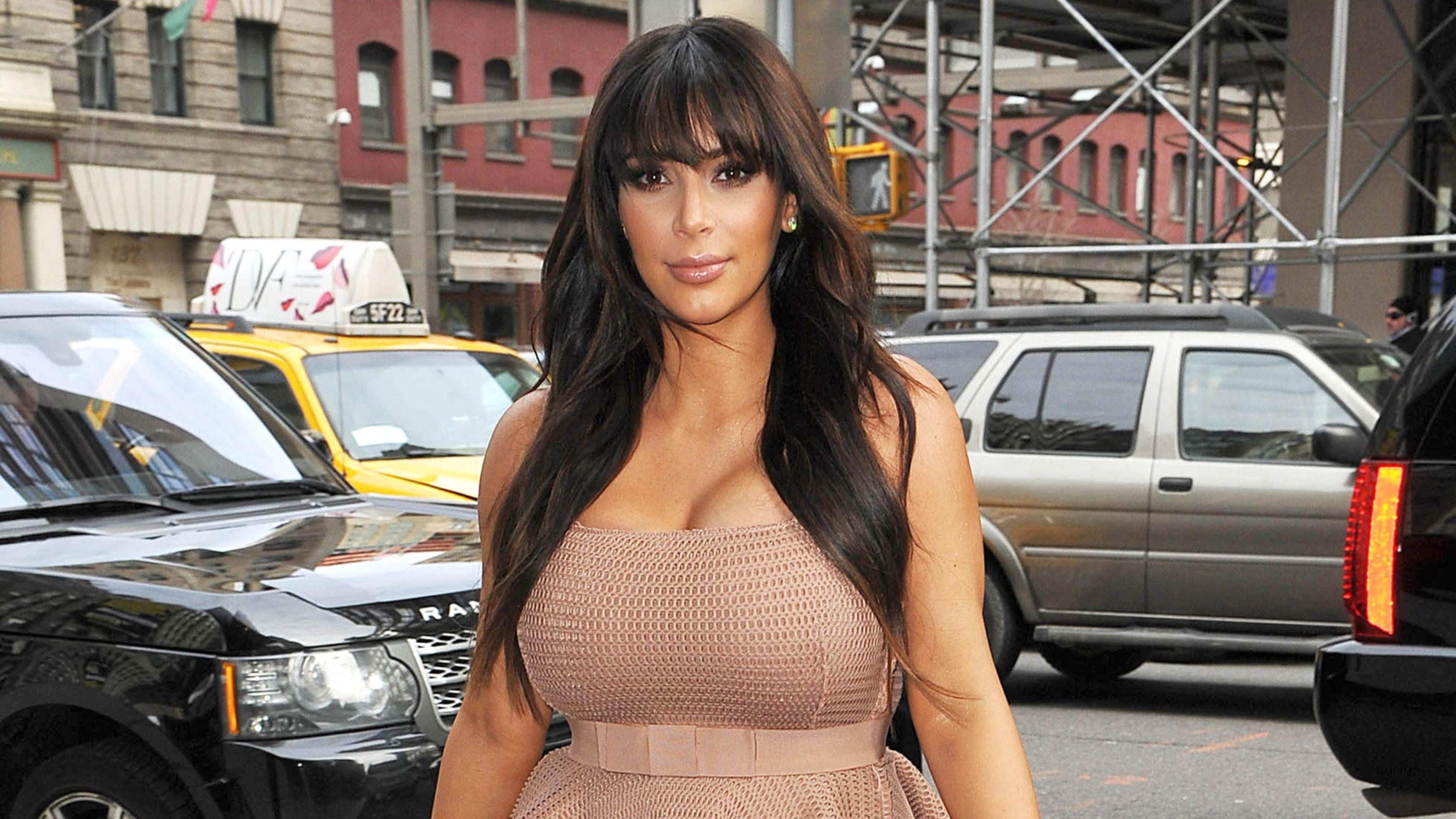 Kim Kardashian Wallpaper For Laptop