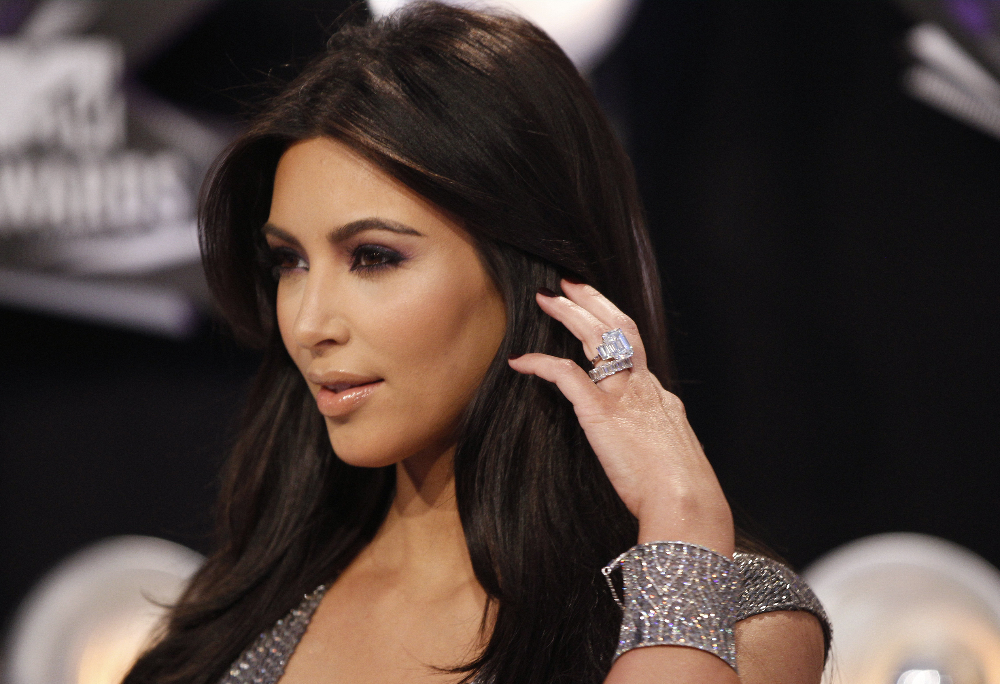 Kim Kardashian Wallpapers And Backgrounds