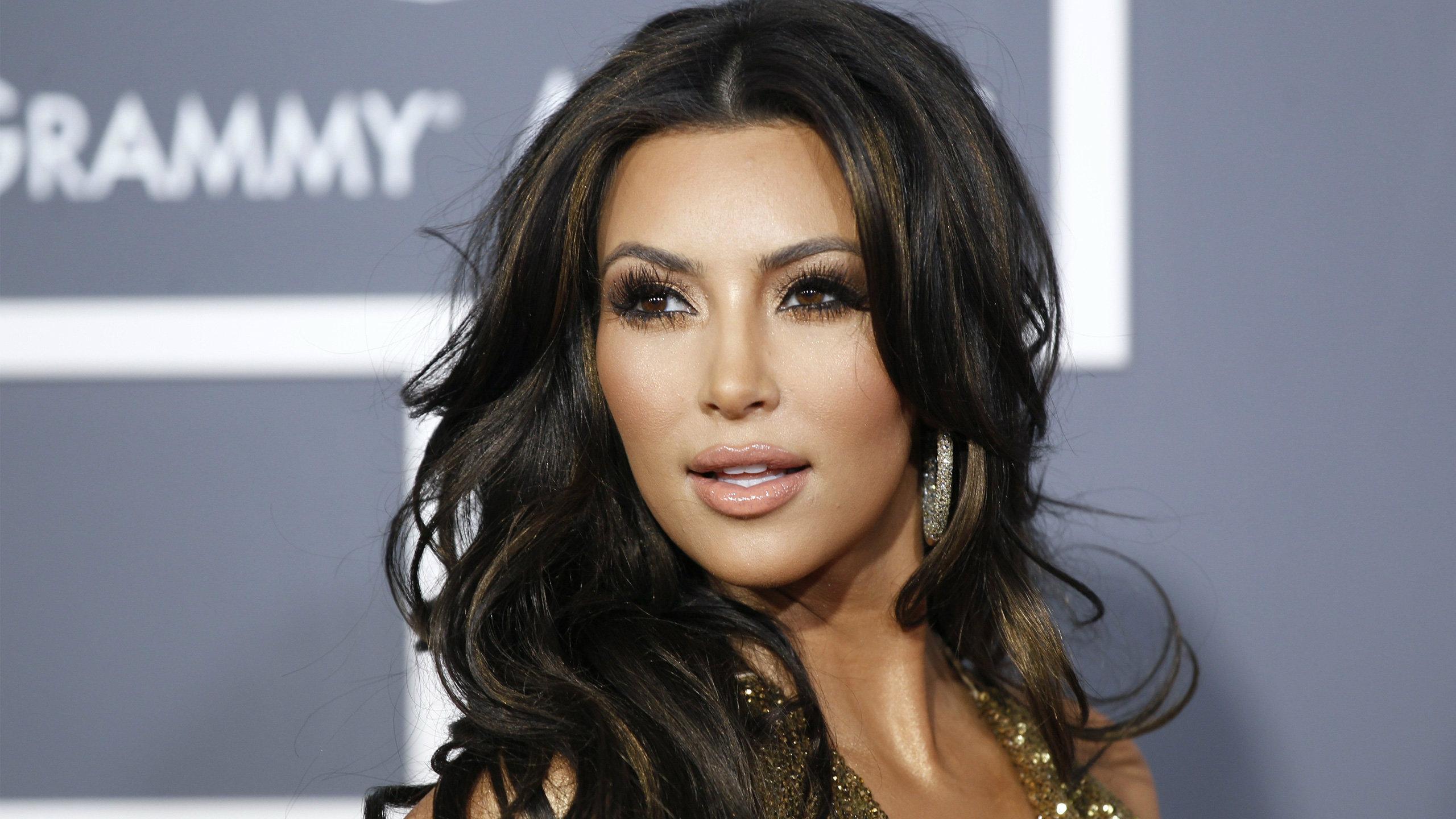 Kim Kardashian Sexy Photos