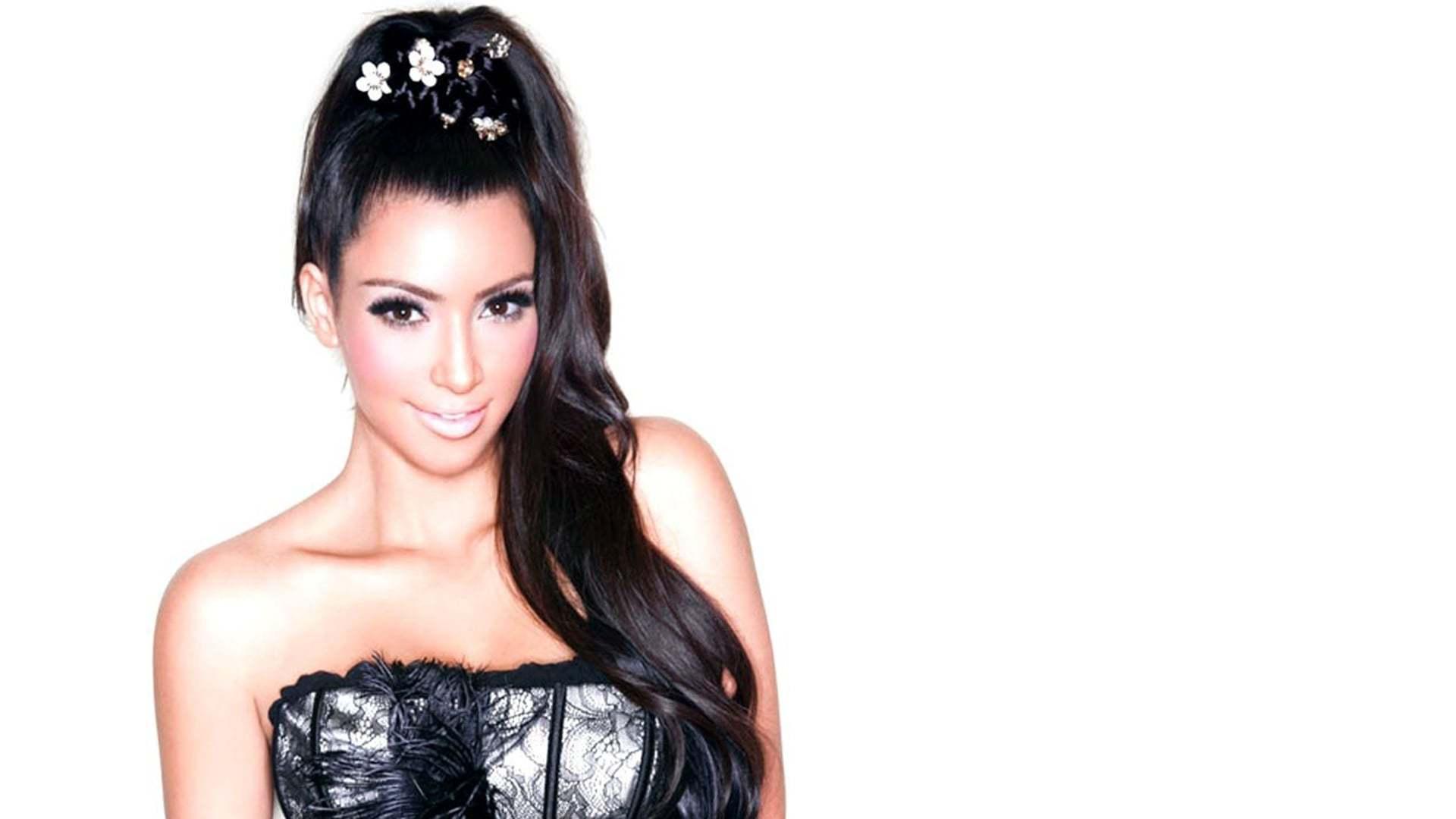 Kim Kardashian Toples