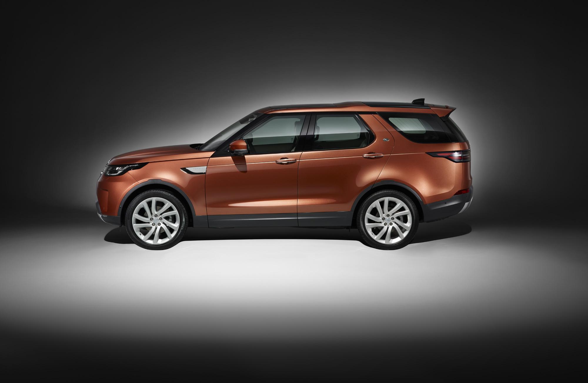 Land Rover Discovery Photos