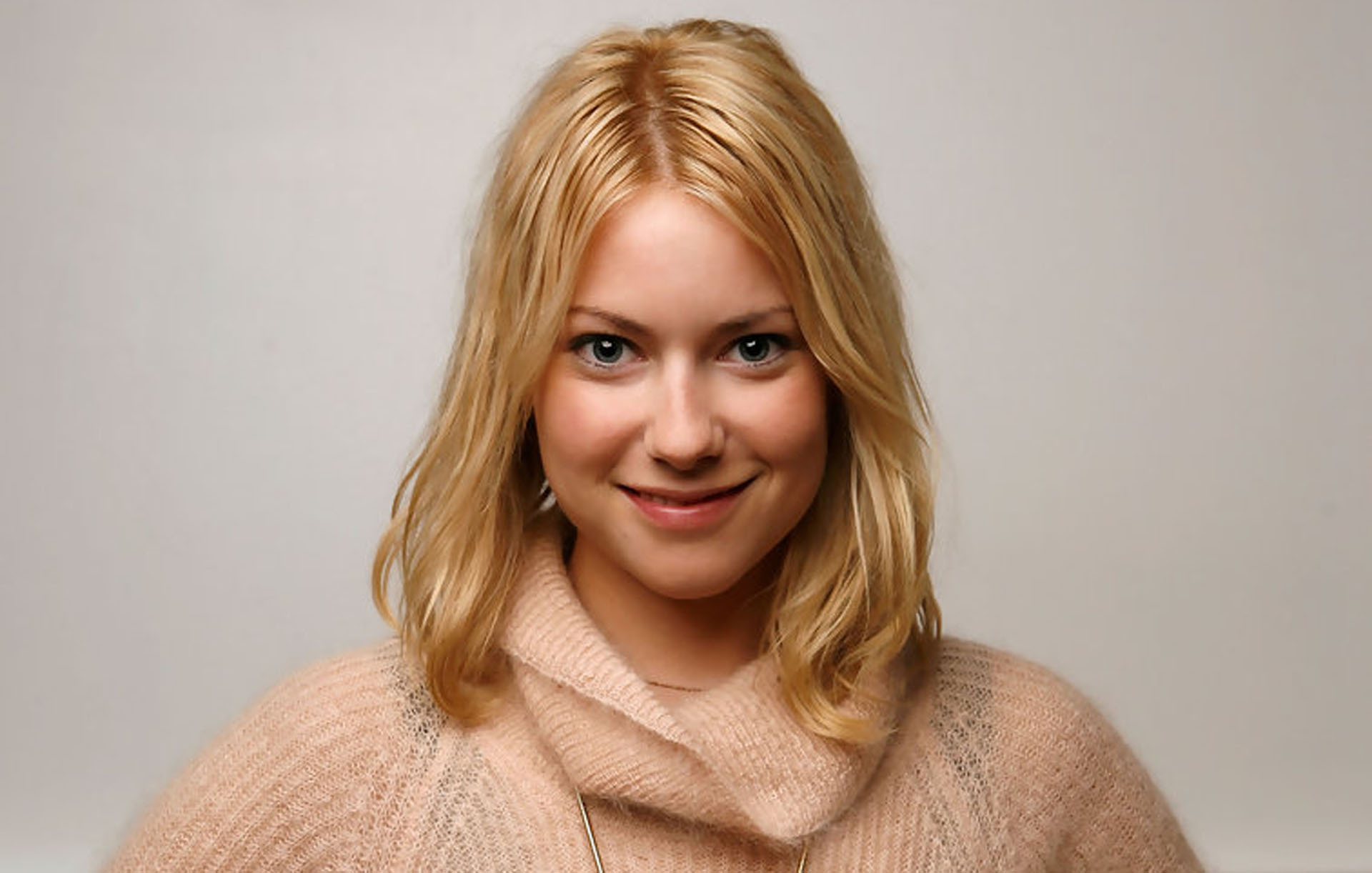Laura Ramsey Sexy Wallpapers