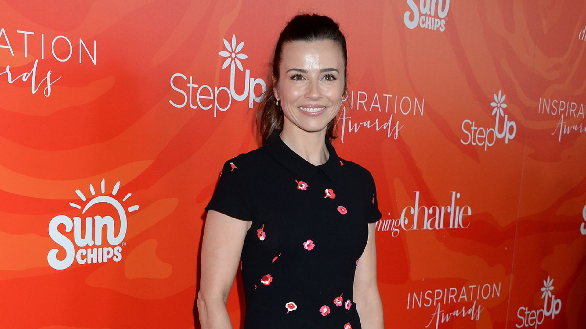 Linda Cardellini High Definition Wallpapers
