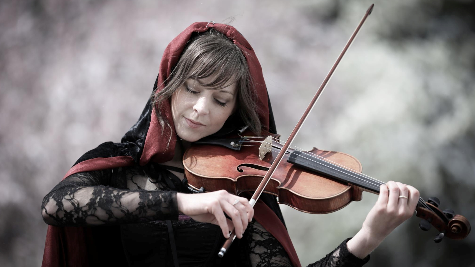 Lindsey Stirling Sexy Photos
