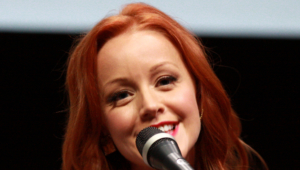 Lindy Booth Deskto