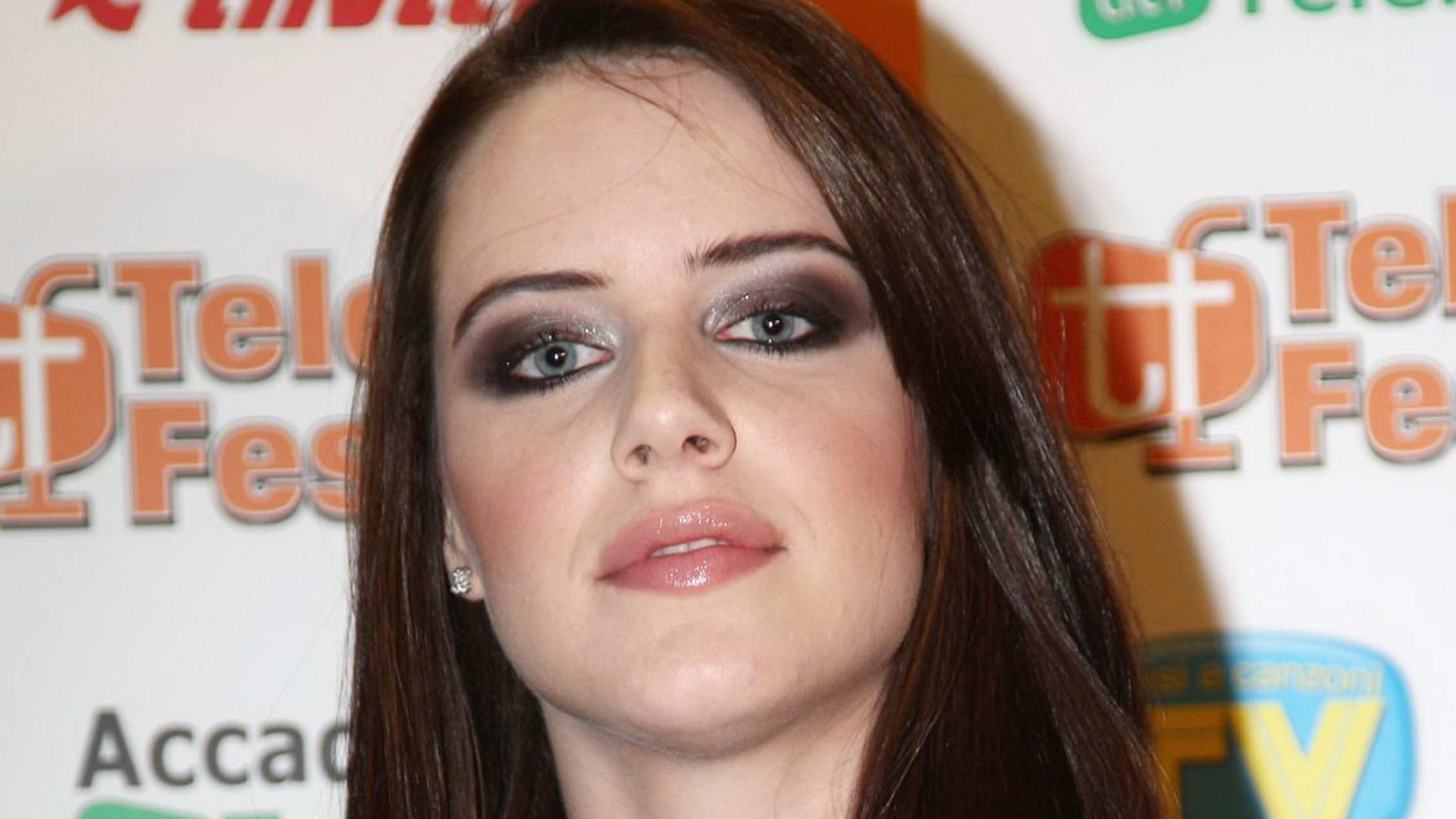 Michelle Ryan High Quality Wallpapers