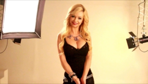 Mindy Robinson HD Wallpaper