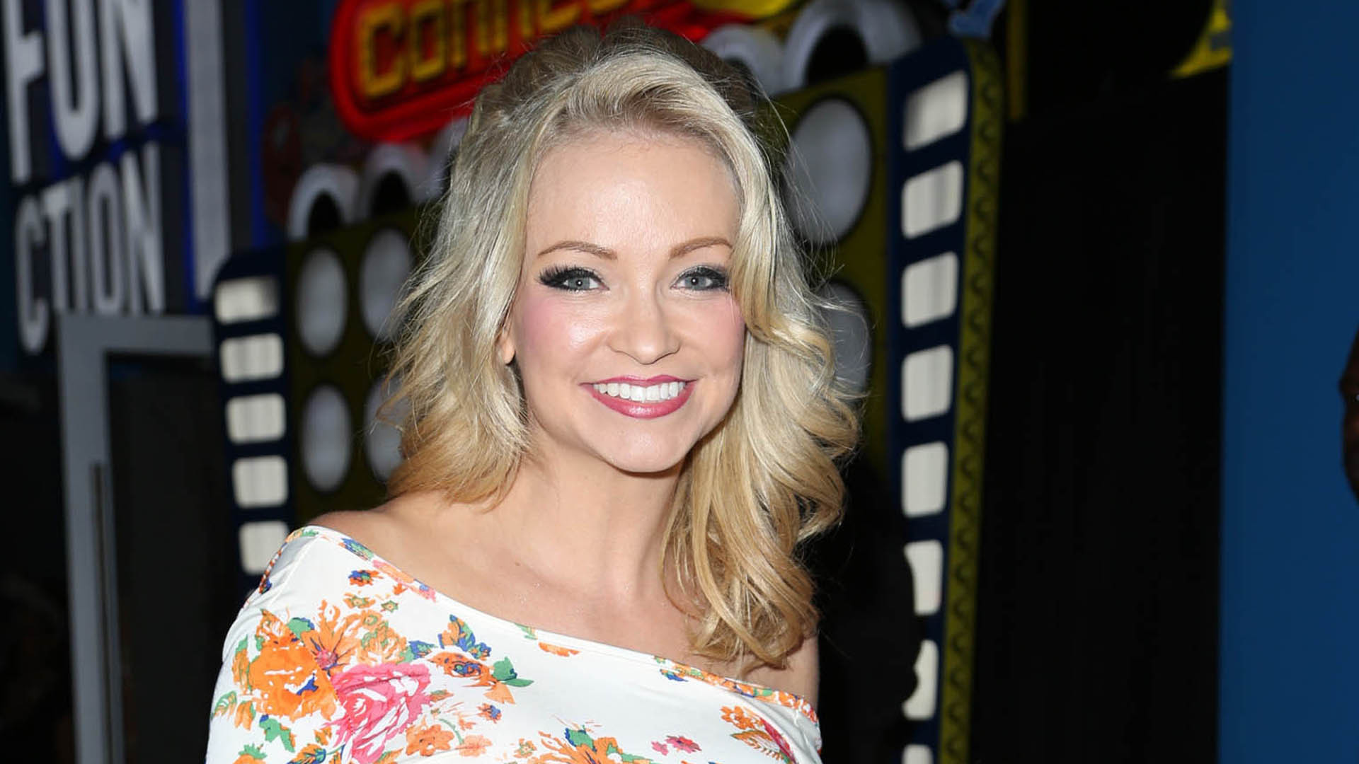 Mindy Robinson High Definition Wallpapers