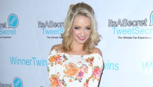 Mindy Robinson Widescreen