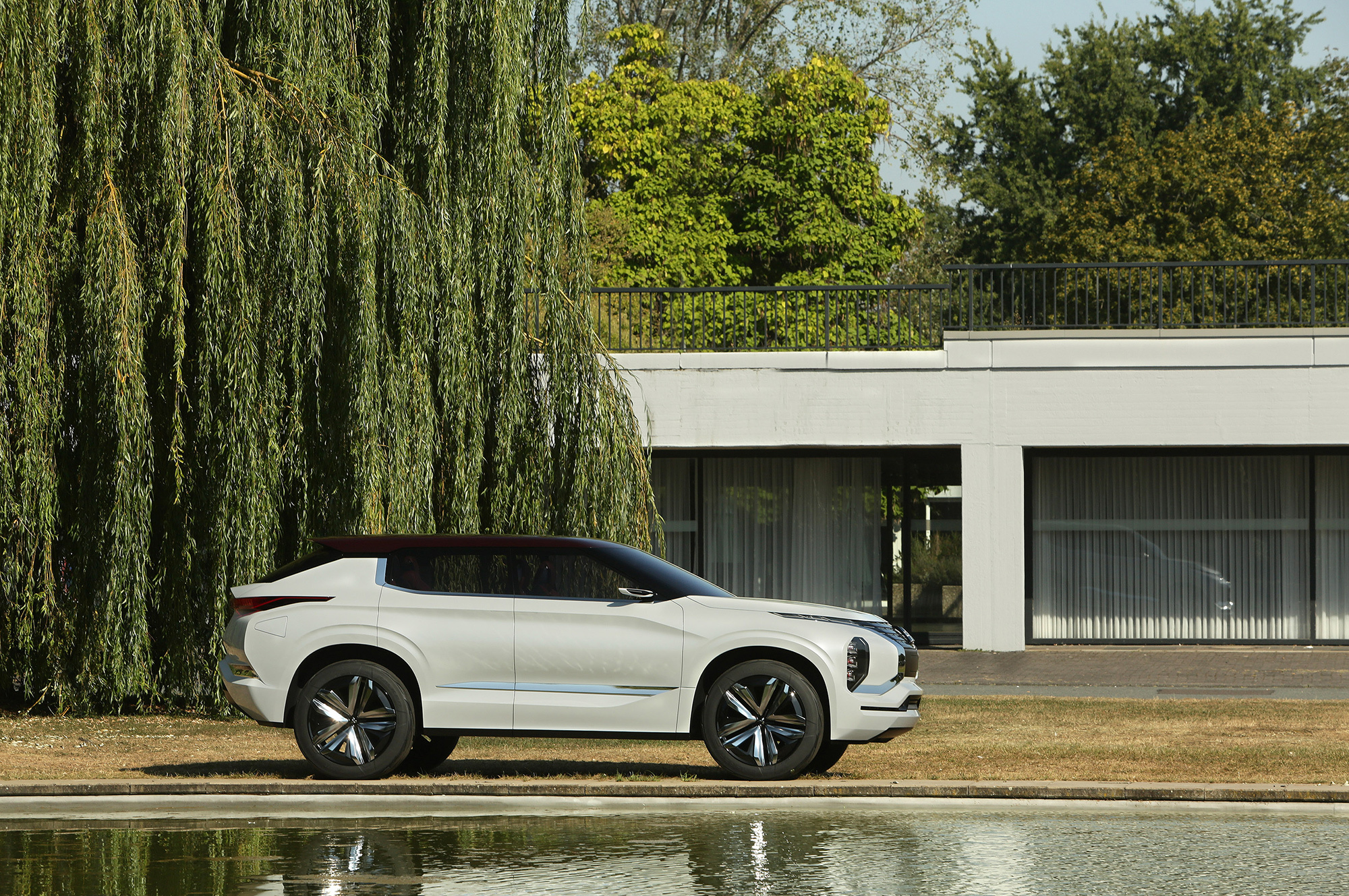 Mitsubishi GT PHEV Wallpapers And Backgrounds