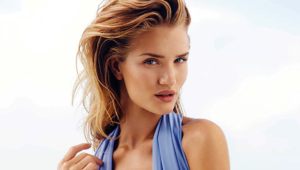 Rosie Huntington Whiteley HD Deskto