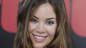 Roxanne Mckee High Quality Wallpapers