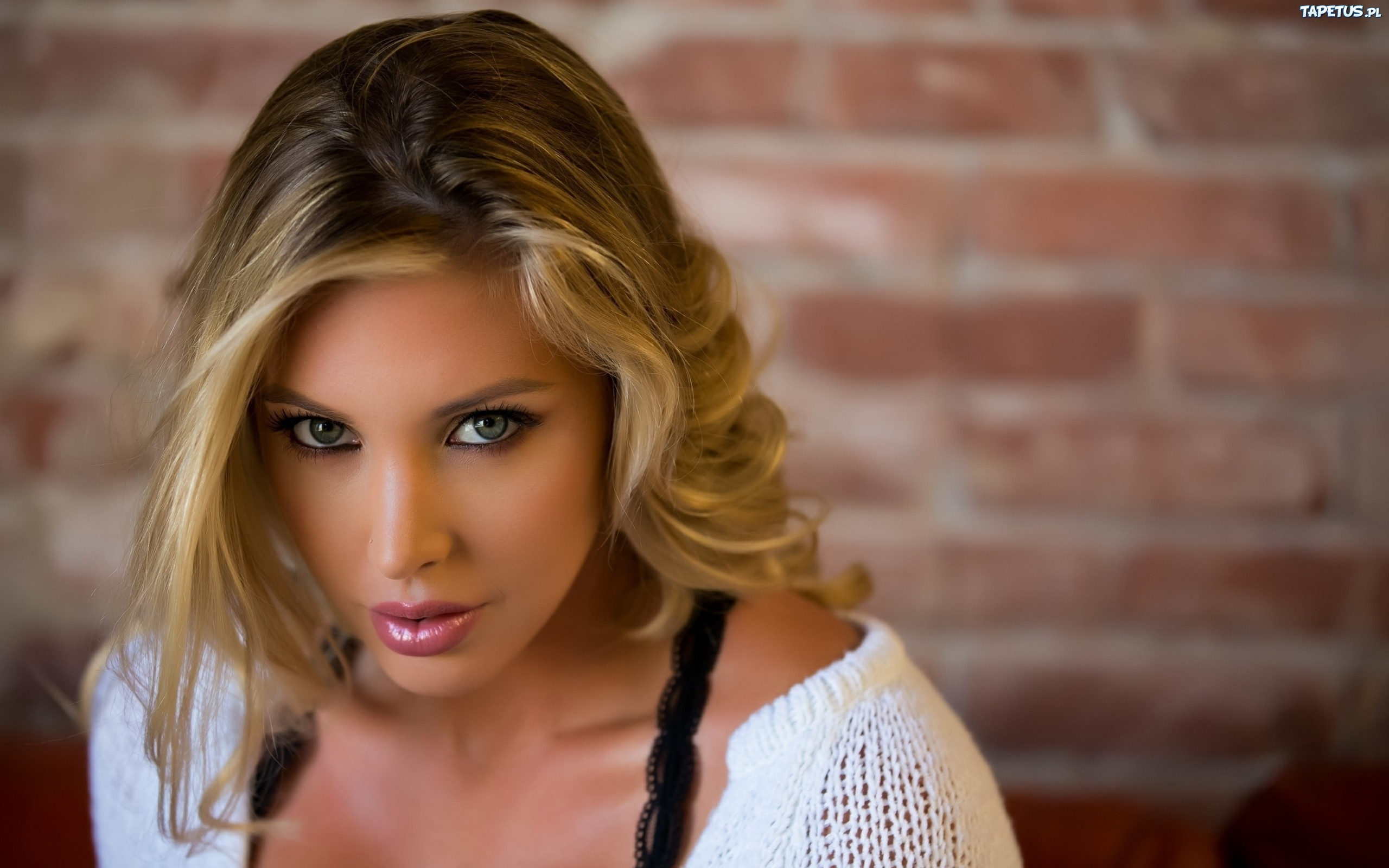 Samantha Saint Wallpapers