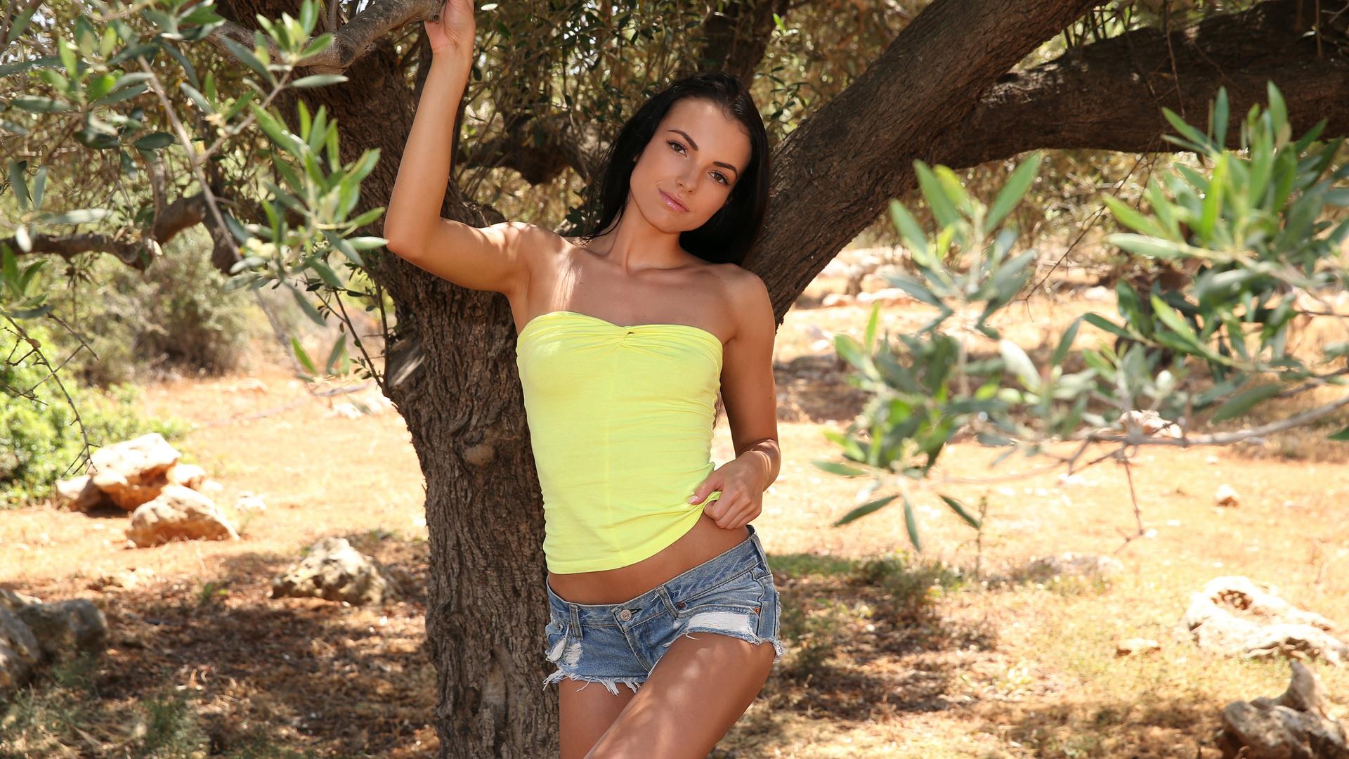 Sapphira Photos