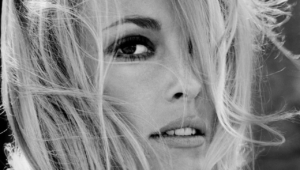 Sharon Tate Iphone Wallpaper