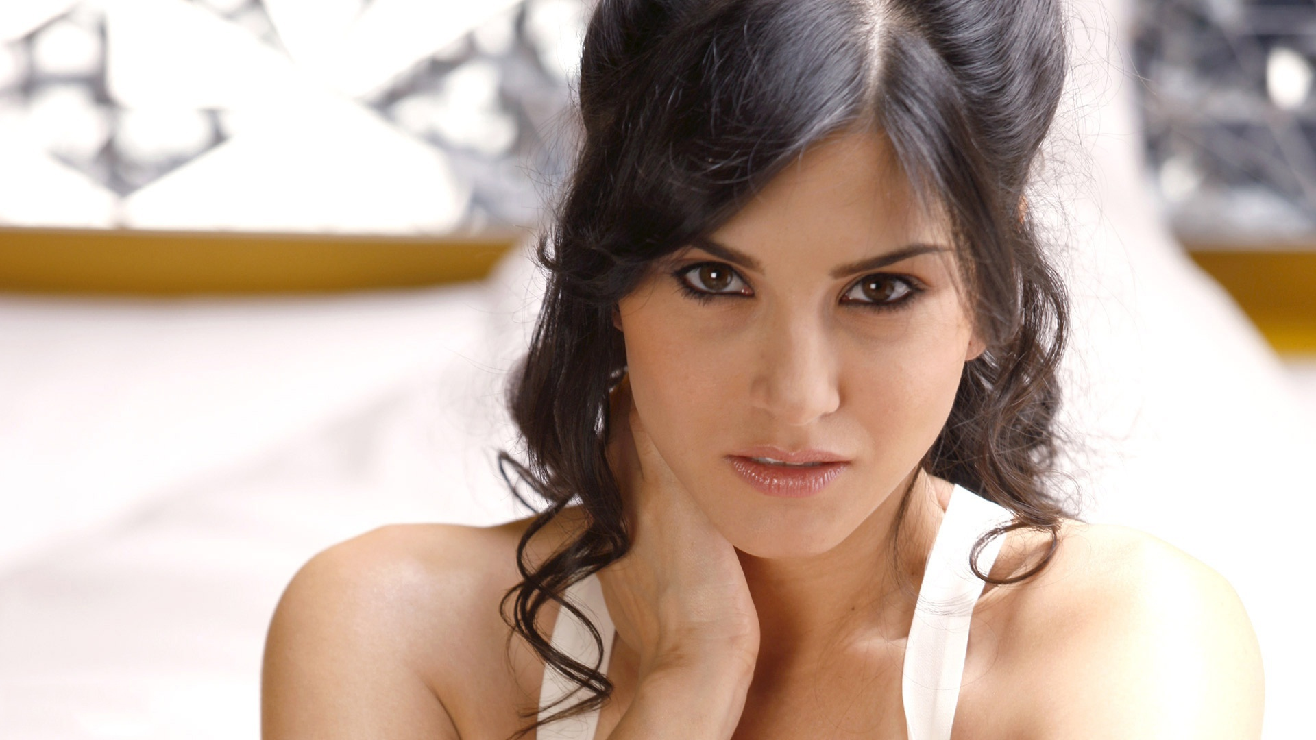 Sunny Leone Wallpapers-3683