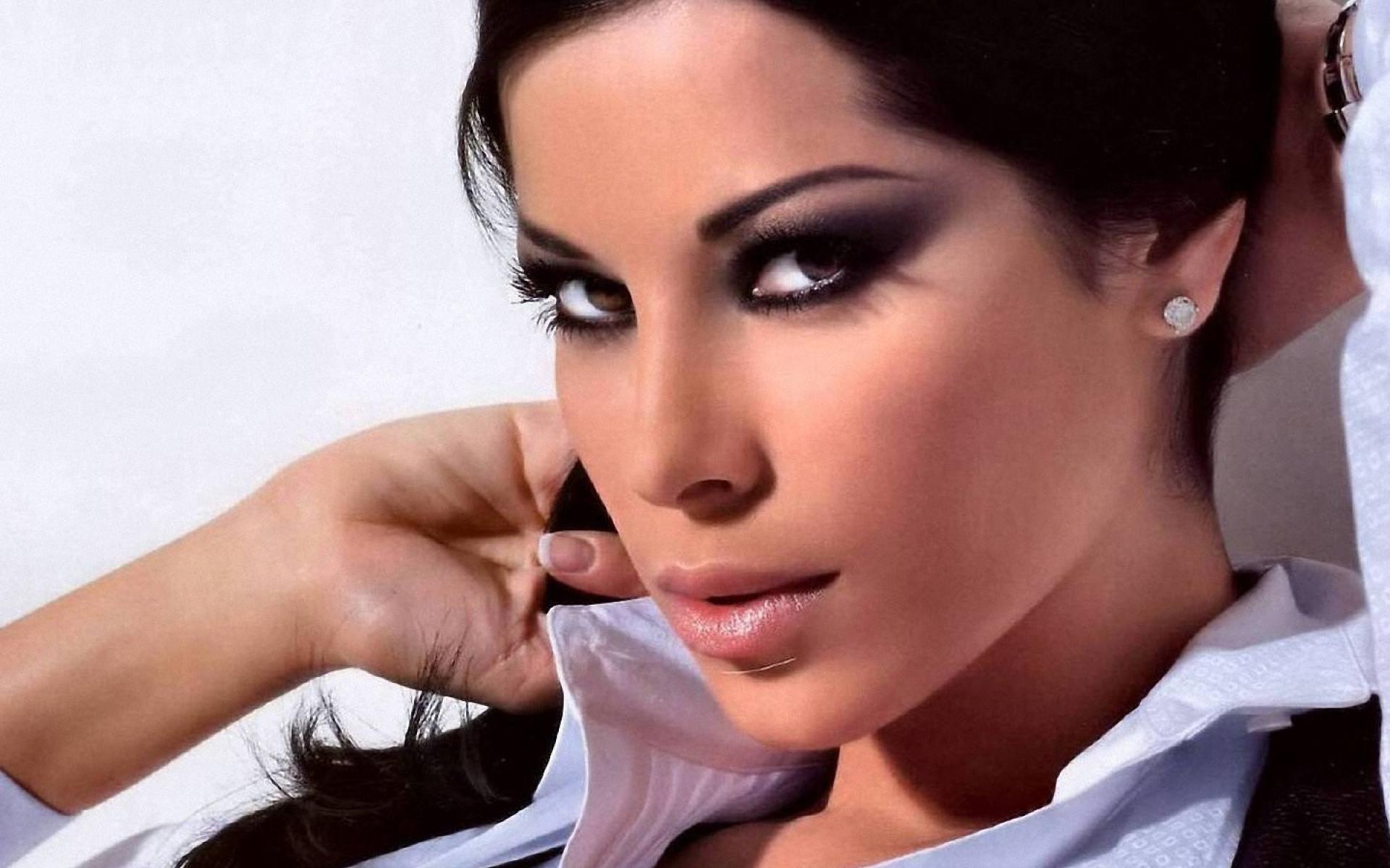 Aida Yespica Hd Background