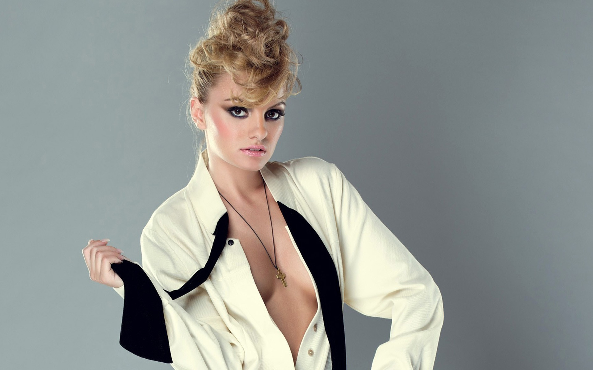 Alexandra Stan High Definition Wallpapers