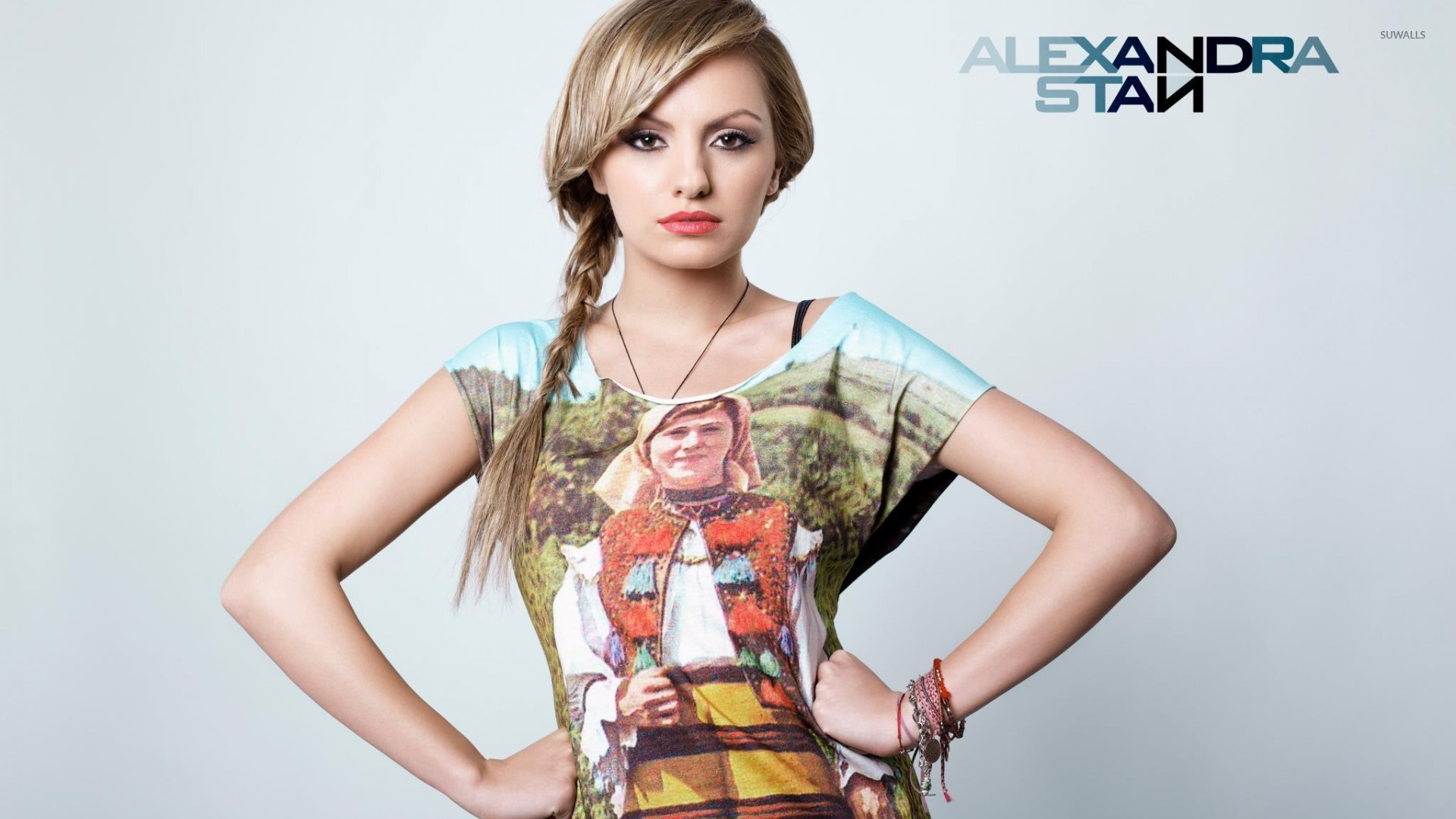 Alexandra Stan Widescreen