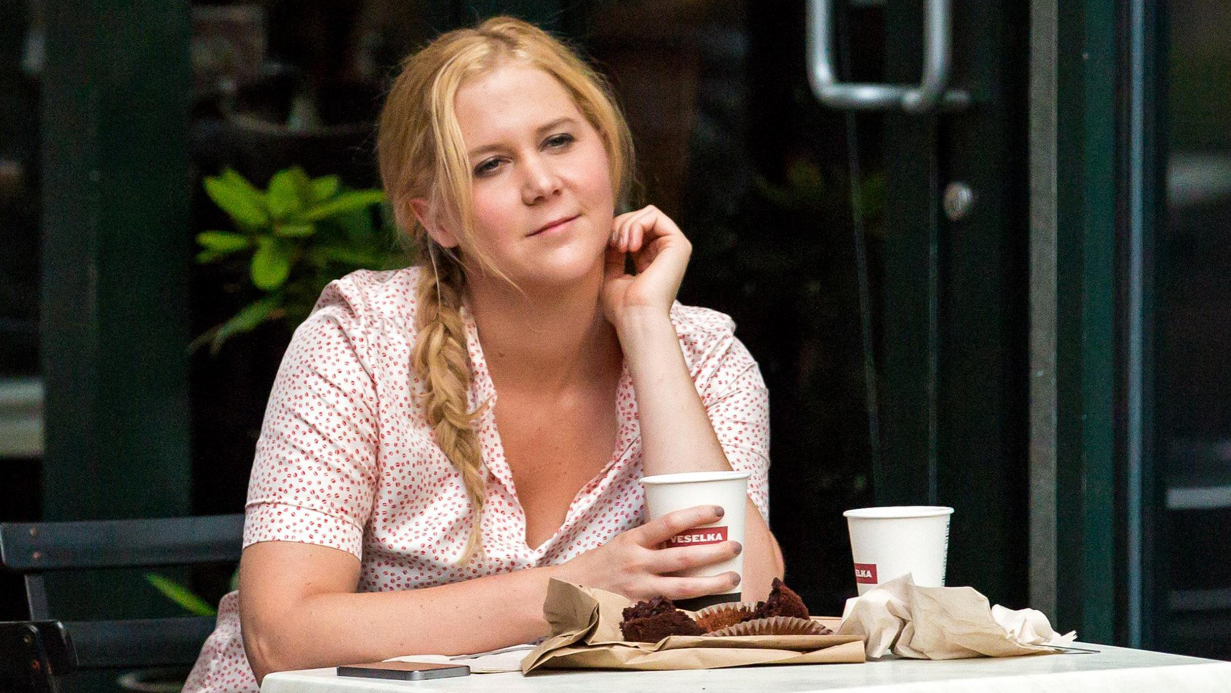 Amy Schumer Wallpapers Hd