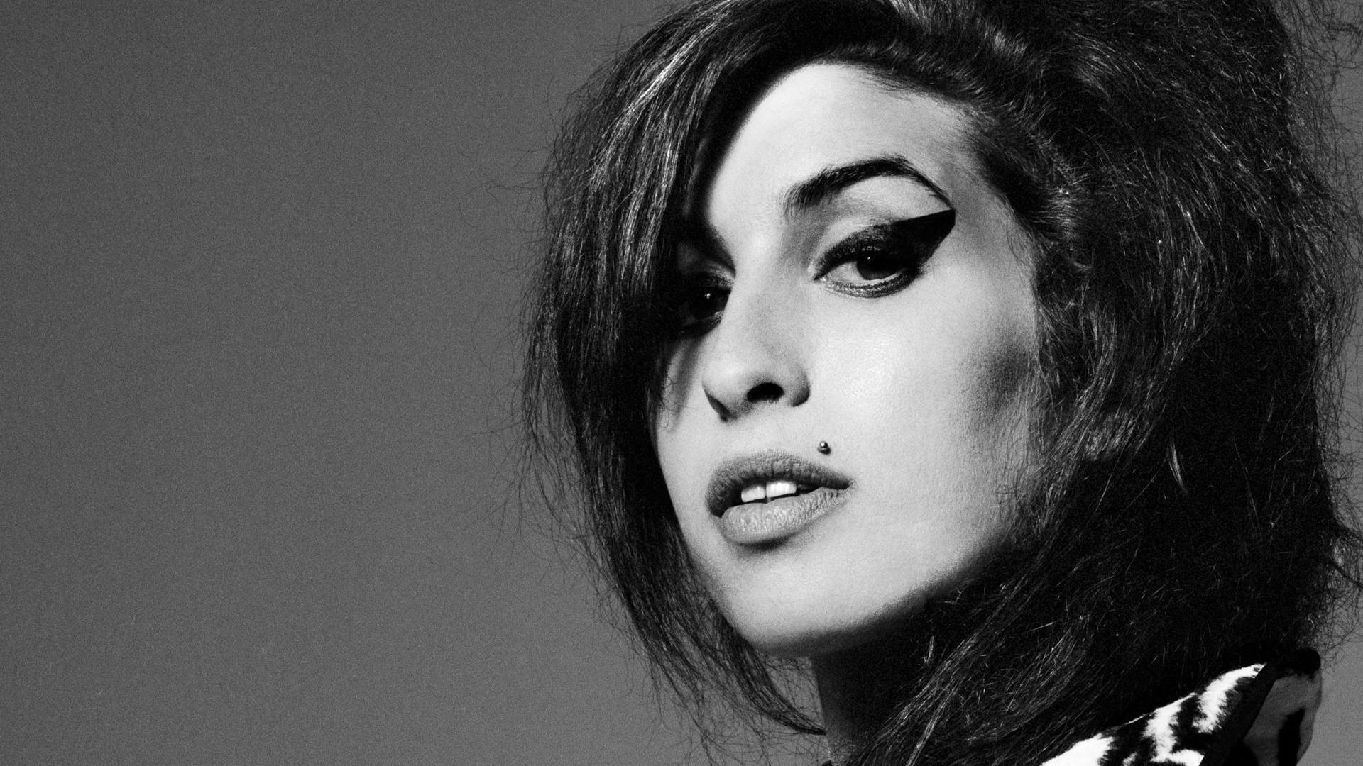 Amy Winehouse Widescreen