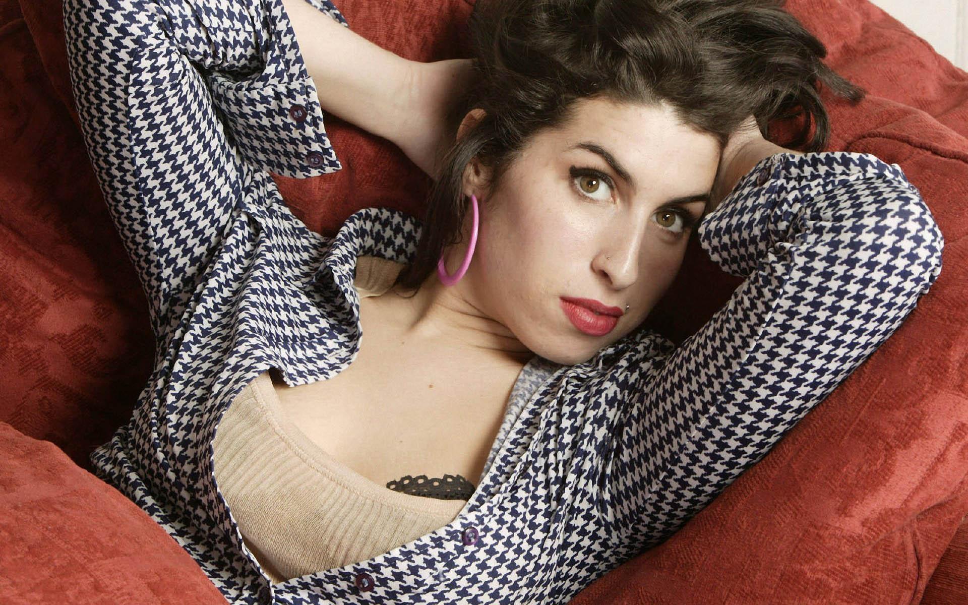 Amy Winehouse Free