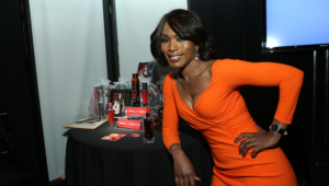 Angela Bassett Widescreen