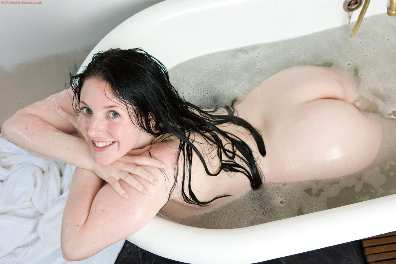 Angela White Hairstyle