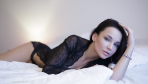 Angelina Petrova Toples