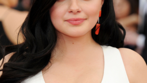 Ariel Winter Android Wallpapers