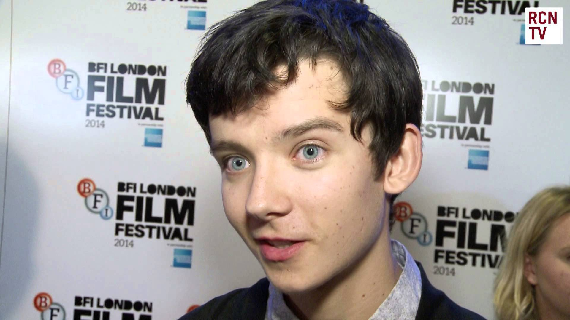 Asa Butterfield High Definition