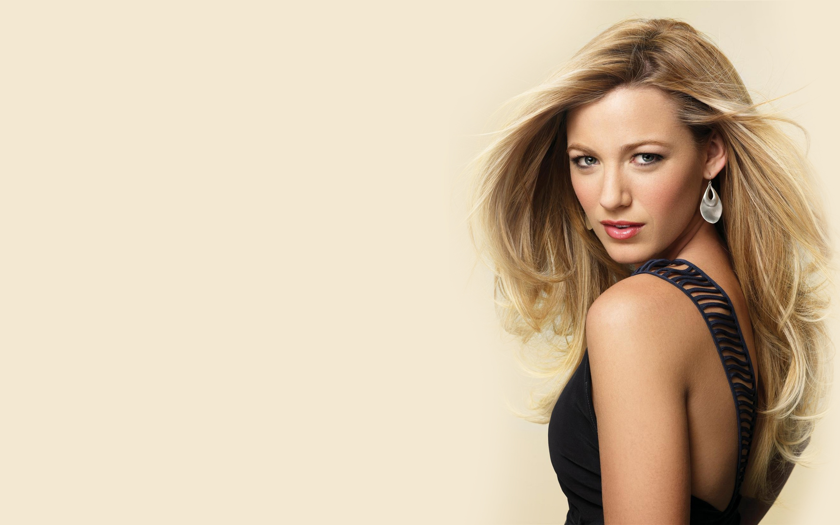 Blake Lively Computer Wallpaper