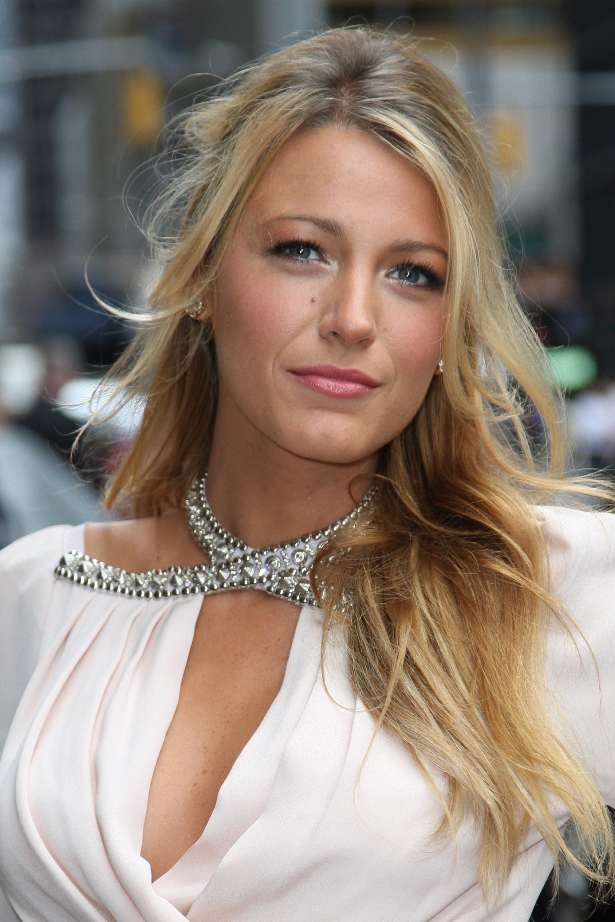 Blake Lively For Smartphone