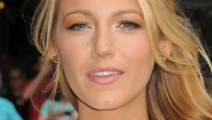 Blake Lively Iphone Sexy Wallpapers