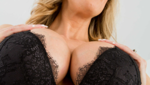 Brandi Love Android Wallpapers